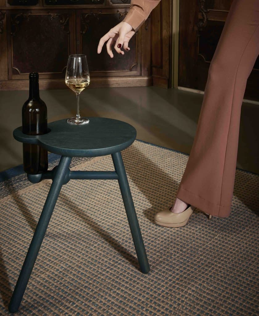 Pode Tisch Bottle Stool