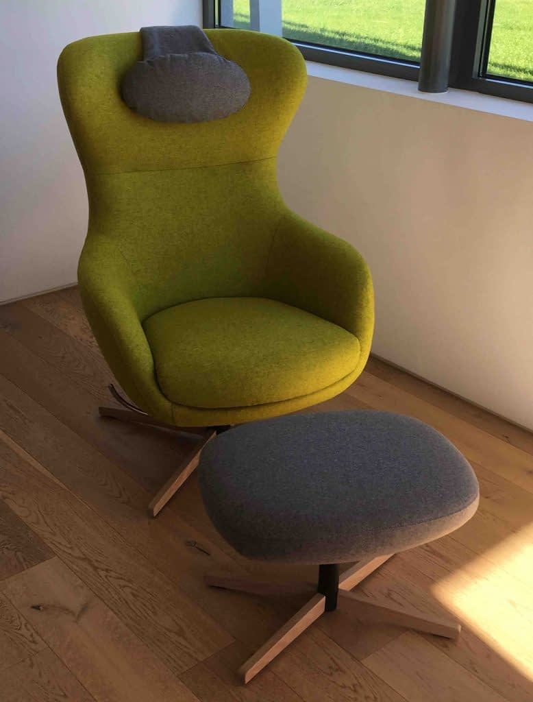 Jester • der individuell gestaltete Sessel mit Hocker